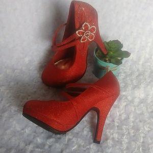 3/25 TOP MODA Red High Heels size 5.5